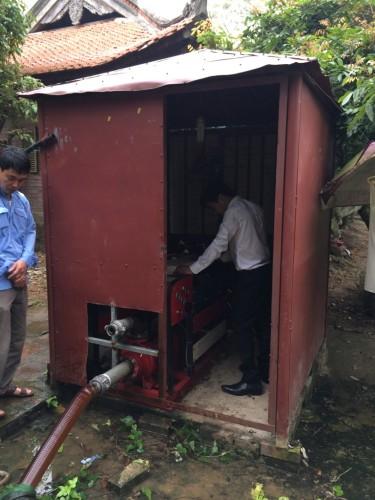 Các kỹ sư của HTH Group đang test thử hệ thống máy bơm PCCC