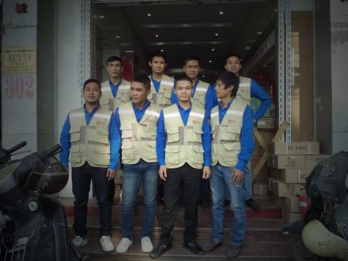 Đội ngũ chuyên nghiệp phục vụ và chăm sóc khách hàng