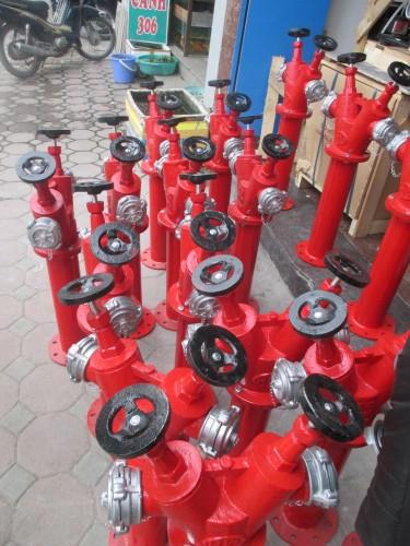 Chuẩn bị đóng gói trụ chữa cháy nhập khẩu để giao cho khách hàng